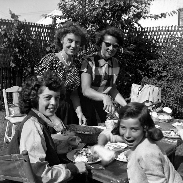 Left to right: Gladys & Sally Berke, Millie & Linda Brudney