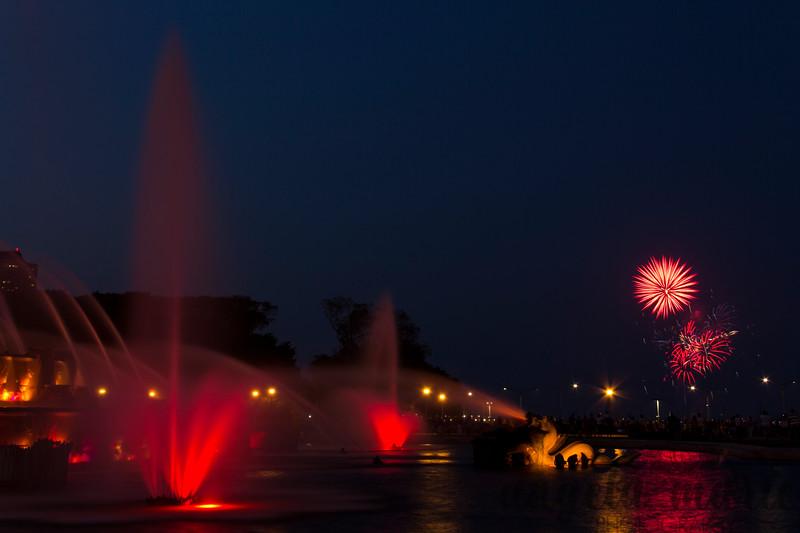 Navy Pier fireworks and Buckingham Fountain