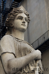 Statue representing industry outside the Chicago Board of Trade Building