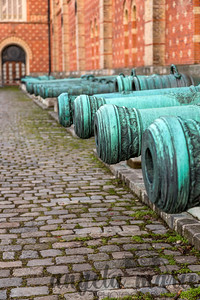 Canons outside the the Heeresgeschichtliches Museum (Museum of Military History).
