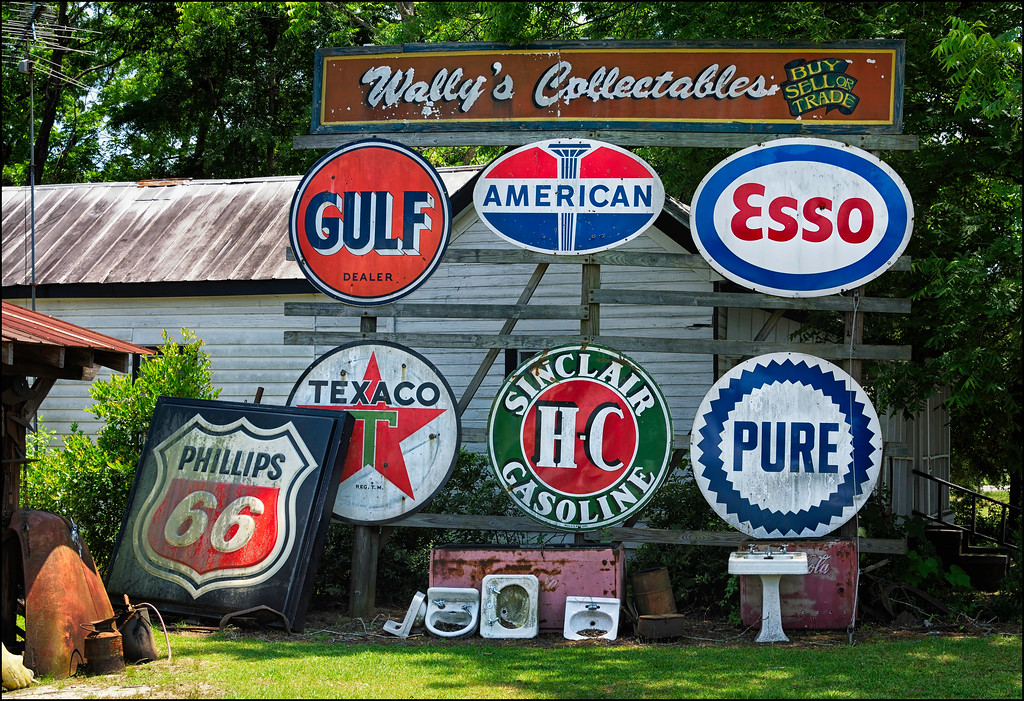 Wally's Collectables