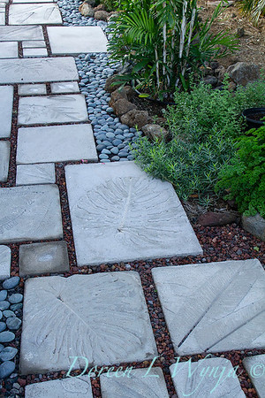 Embossed leaf stepping stones_7040