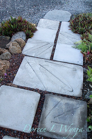 Embossed leaf stepping stones_7037