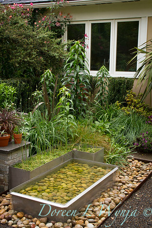 Stainless steel - pebble water feature_4758