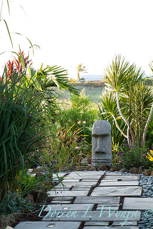 Tiki head in a tropical landscape_4987
