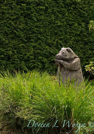 wood carved garden bear sculpture_3148