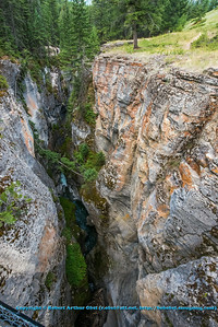 LI-Canyons_8068_ATO.WestUSACanada2014-CAN.Alberta.Jasper.JasperNP.MaligneCanyon.LimestoneGorge-B (DSC_8068.NEF)