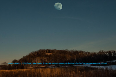 LI-WBAS_4129_USA.WI.CrossPlains.JROutings.IndianLakeCountyPark.Moonrise-B (DSC_4129.NEF)