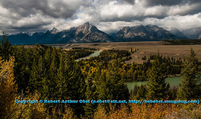 LI-Mountains_6046_MAT-RORP.P1.USA.WY.Moose.GrandTetonNP.DeadmansBarToMooseSection.AutumnViewFromSnakeRiverOverlook-B (DSC_6046.NEF)