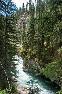 DWS-Rivers_8130_ATO.WestUSACanada2014-CAN.Alberta.Jasper.JasperNP.MaligneCanyon.RapidsWithLimestoneCliffs-B (DSC_8130.NEF)