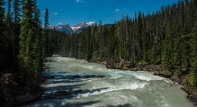 LI-Rivers_8401_ATO.WestUSACanada2014-CAN.BC.Field.YohoNationalPark.CanadianRockies..KickingHorseRiverNaturalBridge-B (DSC_8401.NEF)