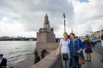 20160713 Janet and Svetlana at River Neva in St Petersburg 236 a NET