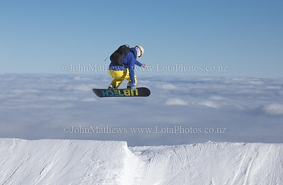 20120718 Snow Boarders on Turoa ski field _MG_5269 WM