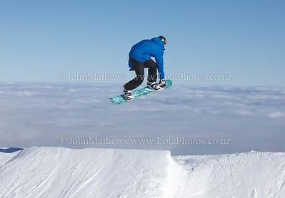 20120718 Snow Boarders on Turoa ski field _MG_5259 WM