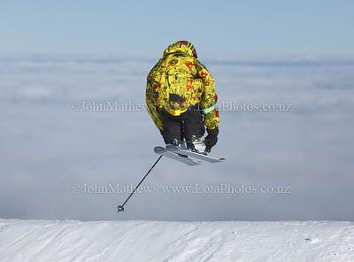 20120718 Skier on Turoa ski field _MG_5240 WM