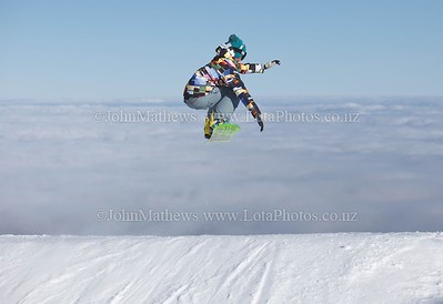20120718 Snow Boarders on Turoa ski field _MG_5250 WM