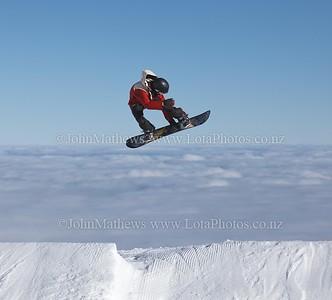20120718 Snow Boarders on Turoa ski field _MG_5298 WM