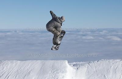 20120718 Snow Boarders on Turoa ski field _MG_5306 WM