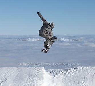 20120718 Snow Boarders on Turoa ski field _MG_5307 WM