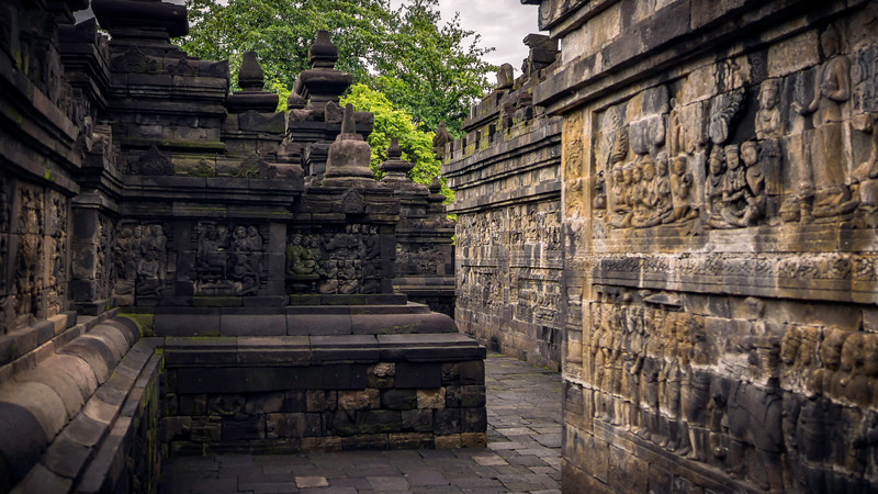Lost in Borobudur