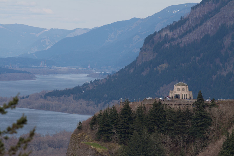 Vista house and Columbia River