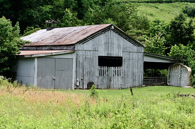 Barn near Pigeon Forge , Tn.