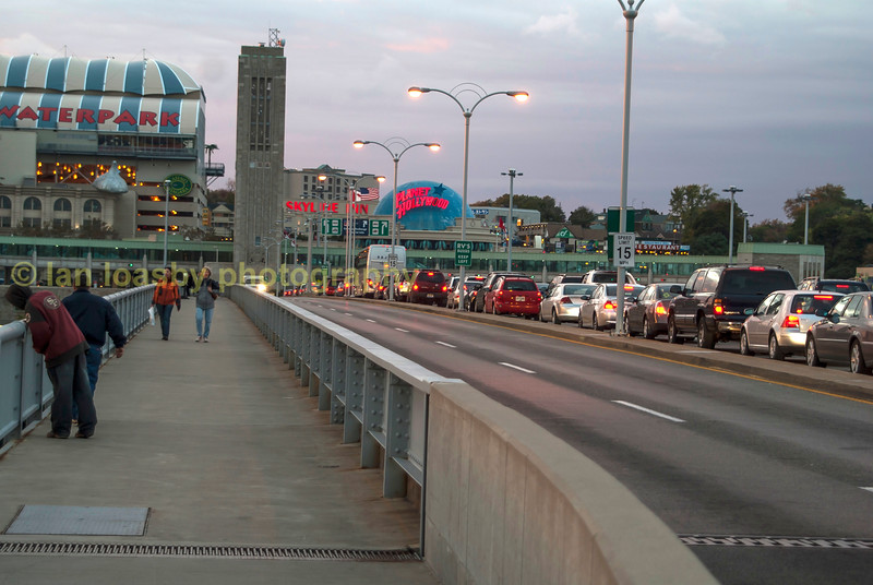 The queue to drive through the Canadian side of the border on the rainbow bridge.