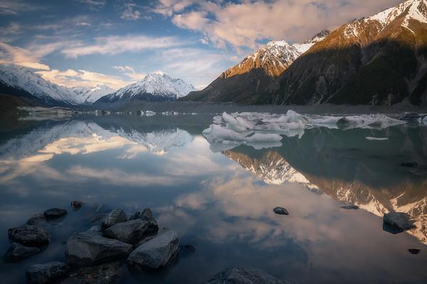 Surreal Shores || Tasman Lake