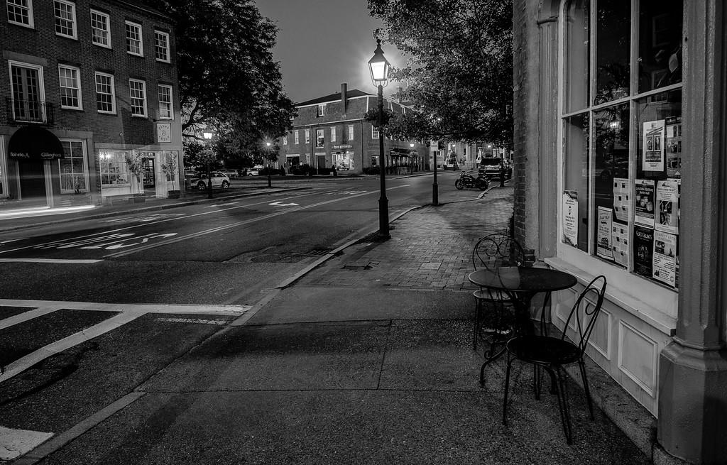 Downtown - Black White
