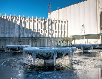 Frozen fountains at the Pacific Science Center 01/2017