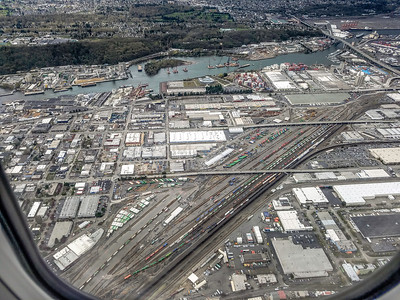Union Pacific Railroad - Argo Yard in Seattle as seen from an inbound airline flight to Sea-Tac Airport. 04/07/2017