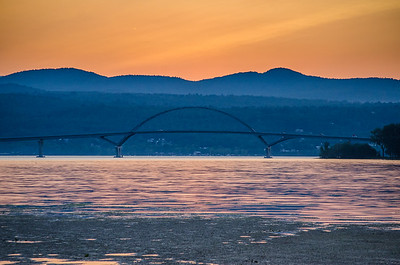 Bridge to New York (Champlain Bridge)