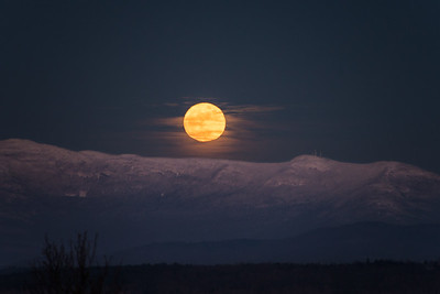Full Wolf Moon Rising