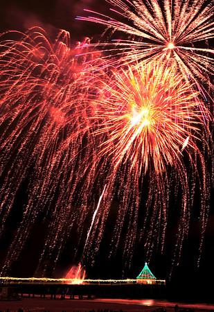 """Raining Sparkle"". Manhattan Beach Holiday Fireworks Festival 2008, Manhattan Beach, CA"