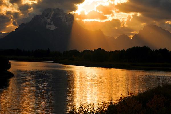 Golden sunset over Oxbow Bend. Grand Teton National Park