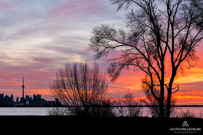 Sunrise over Lake Ontario and the Toronto Skyline, Humber Bay Park, Toronto, Ontario, Canada