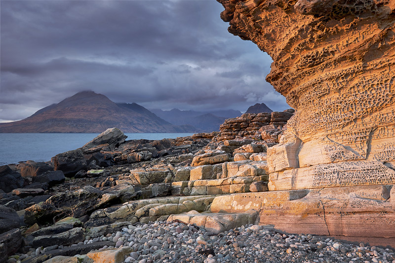 Honeycomb rock in Elgol