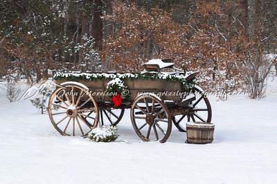 Christmas decorations on old wagon