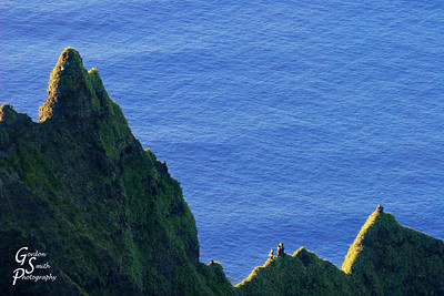 Sketching on the Surface of the Sea Na Pali cliffs of Kauai