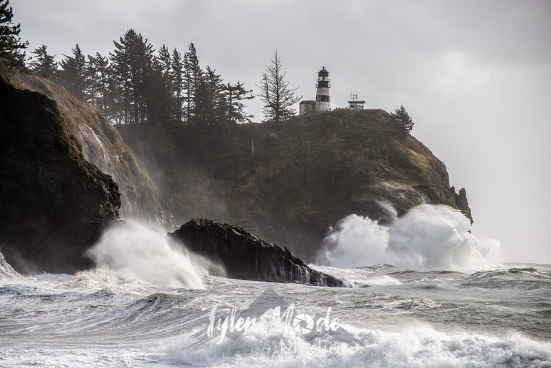 334  G Cape Disappointment Waves