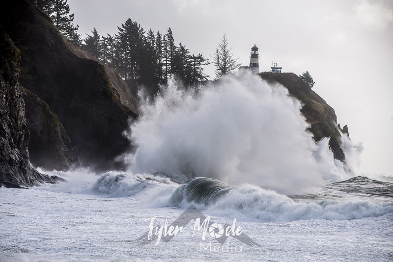 328  G Cape Disappointment Waves