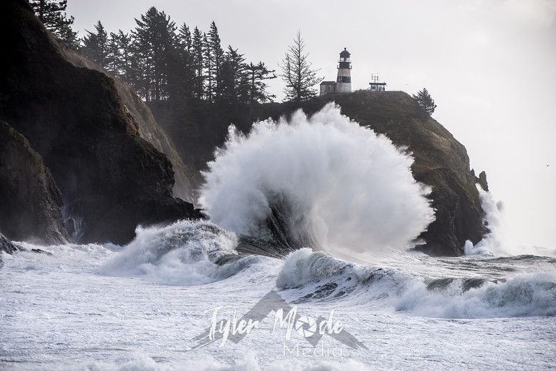 324  G Cape Disappointment Waves