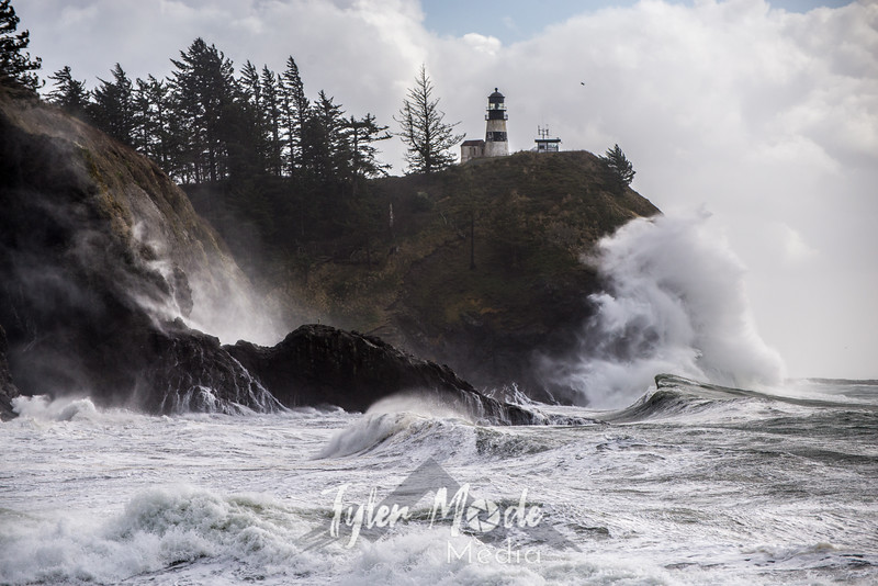 348  G Cape Disappointment Waves