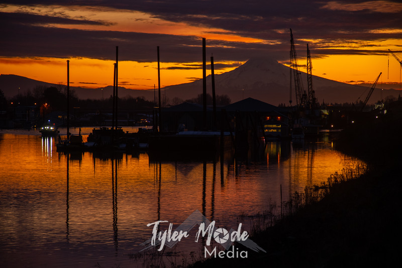 1  G Mount Hood and Columbia River Sunrise