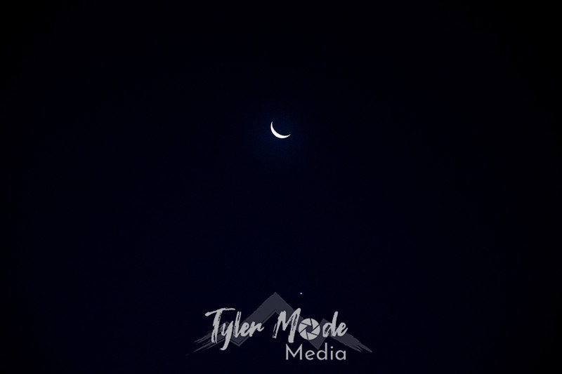 2  G Moon and Venus