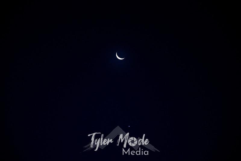 2  G Moon and Venus