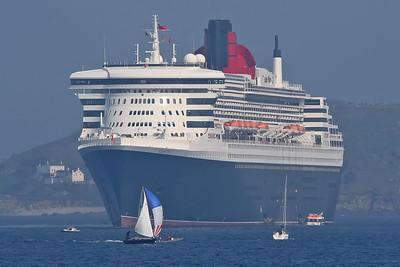 2006-04-22 Visiting Ships
