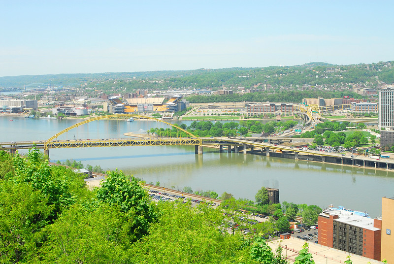 Pittsburgh Golden Triangle, three rivers: Monongahela (foreground), Allegheny (background), Ohio (left)