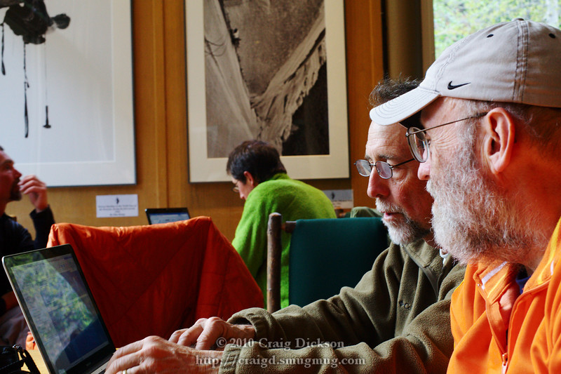 Dave Wyman and Gordon reviewing the day's images