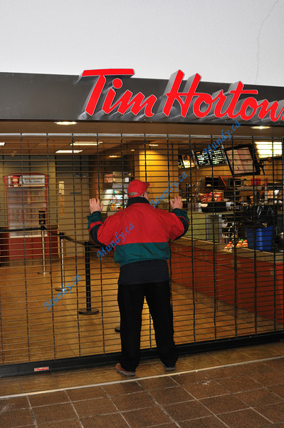 Tim Hortons closed before 8pm? <br /> <br /> Noooooooooooooooooooooooooooooooo!